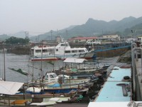写真:白石島、白石港へ到着
